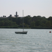 flushing-meadows-lake-boathouse-boat-rentals-queens