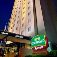 courtyard-by-marriott-queens-hotel