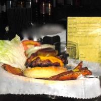 lincolns-tavern-burgers-on-staten-island