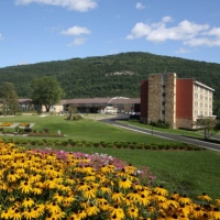 honors-haven-cool-getaway-in-upstate-new-york