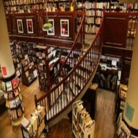 housing-works-bookstore-cafe-book-store-in-ny