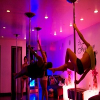 le-femme-suite-pole-dancing-classes-in-ny