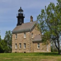old-field-point-lighthouses-in-ny
